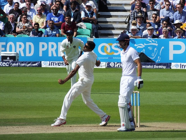 r-ashwin-bowling-cc-licensed-by-james-cullen-via-flickr