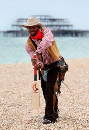 Dwayne Smith is the world's finest cricketing beach cowboy