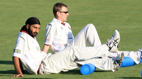 Monty Panesar has a bit of a lie down - LAZY!
