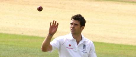 James Anderson watching the ball in much the same way that he doesn't when bowling